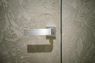 Portes intérieures modernes sans chambranle apparent en Belgique et au Luxembourg